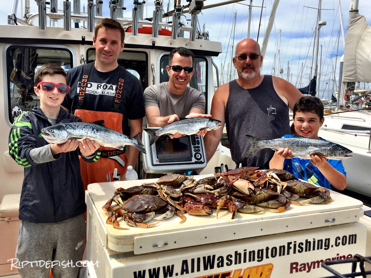 Puget Sound Fishing and Crabbing